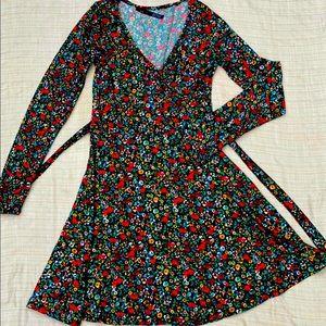 🌹 Beautiful Floral mini-dress